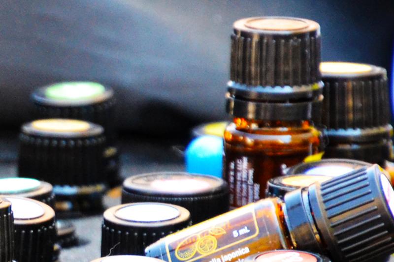 verschiedene Aromaöl-Fläschchen